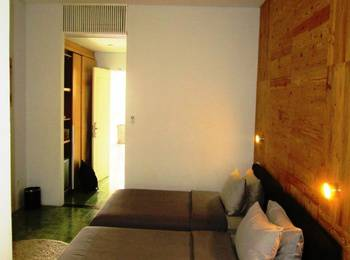 Stevie G Hotel Bandung - Deluxe Room Only Regular Plan
