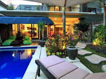 Tunjung Villa Legian
