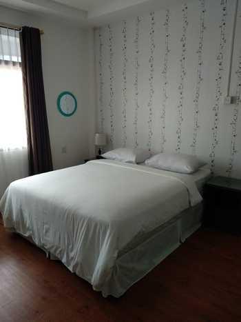 Hello Guest House Bukittinggi - Deluxe Room Regular Plan