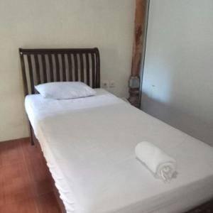 Ubud Hotel & Cottages Malang - Standard Single Bed Regular Plan