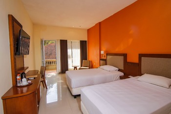 Ubud Hotel & Cottages Malang - KAMAR DELUXE 20% - Minimum Stay