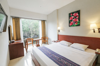 Ubud Hotel & Cottages Malang - SUPERIOR CLASSIC ROOM ONLY Special Deals