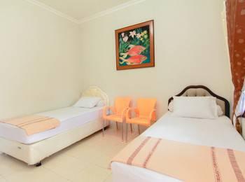 Sabana Homestay Yogyakarta - Standard Room Only Basic Deal 40%