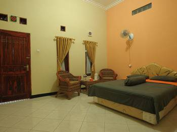 Hotel Ramayana Garut - Standard Room With Breakfast Regular Plan