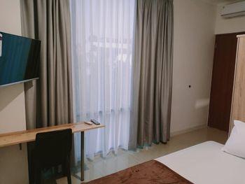 NYENYAK MRT Lebak Bulus I Simatupang Jakarta - Deluxe Room NonSmoking Regular Plan