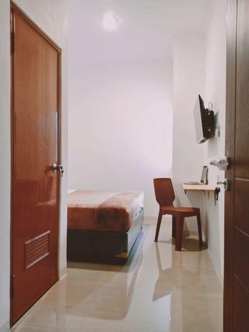 NYENYAK MRT Lebak Bulus I Simatupang Jakarta - Standard Room NonSmoking Lantai 3 Lift Belum Beroperasi Regular Plan