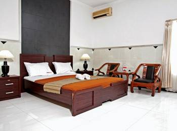 RedDoorz near City of Tomorrow Mall Gayungan - RedDoorz Room Regular Plan