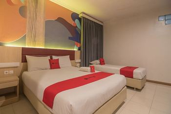 RedDoorz Plus near Alun Alun Bandung Bandung - RedDoorz Executive Room Regular Plan