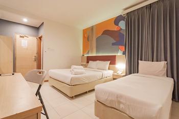 RedDoorz @ Hotel Arimbi Baru Dewi Sartika Bandung - RedDoorz Deluxe Twin Room AntiBoros