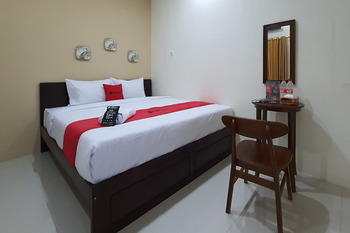 RedDoorz Syariah near Solo Square Mall Solo - RedDoorz Room Basic Deal