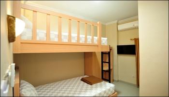 Wini Backpacker by Adaro Yogyakarta - Twin Room Only (Bunk Bed) Regular Plan