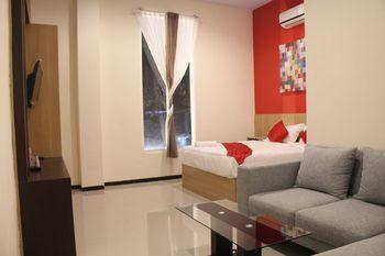Dshario Hotel Kepanjen Malang - Deluxe Room Only Regular Plan