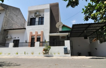 D'Java Homestay Unit Monjali 2 by The Grand Java