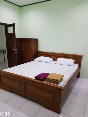 Embe Pitoe Syariah Gejayan Yogyakarta - Deluxe Room 24 Hours Deal