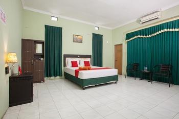 RedDoorz Syariah @ Janti Malang Malang - RedDoorz Room LMD