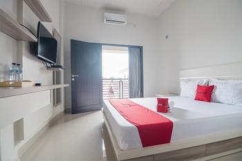 RedDoorz Syariah near Tugu Juang Jambi Jambi - RedDoorz Room with Breakfast Basic Deal