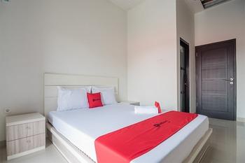 RedDoorz Syariah near Tugu Juang Jambi Jambi - RedDoorz Room Basic Deal