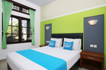 Airy Kuta Poppies Lane Dua Benesari Bali - Deluxe Double Room with Breakfast Regular Plan
