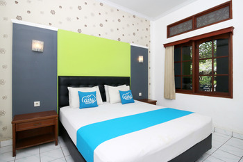 Airy Kuta Poppies Lane Dua Benesari Bali - Superior Double Room with Breakfast Special Promo May 42