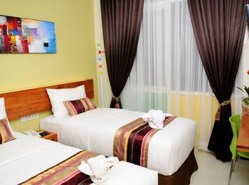 BIZ Boulevard Hotel Manado - Superior Room  Only Minimum Stay 54%