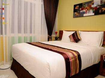 BIZ Boulevard Hotel Manado - Deluxe Room  Only Regular Plan