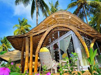 Coconut Garden Beach Resort Maumere - Sunset Bungalow Regular Plan
