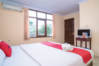 RedDoorz Plus near RS Grhasia Kaliurang Yogyakarta - RedDoorz Deluxe Room BD