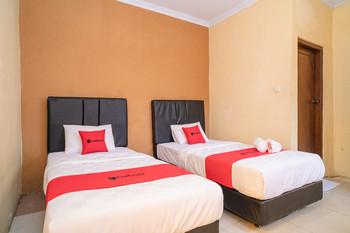 RedDoorz Plus near RS Grhasia Kaliurang Yogyakarta - RedDoorz Twin Room BD