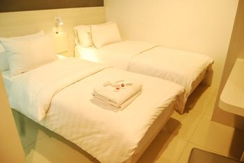 Red Orchid Simpang Lima Semarang - Superior Twin Room Only Regular Plan