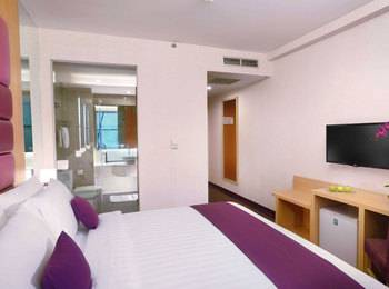 Quest Hotel Surabaya - Deluxe Room Regular Plan