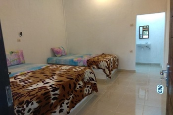 Nanda Homestay Lombok - Deluxe Triple Room Regular Plan