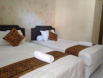 Majapahit Syariah Banyuwangi - Standard Twin Room Only Regular Plan