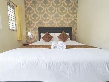 Majapahit Syariah Banyuwangi - Standard Double Room Only Regular Plan