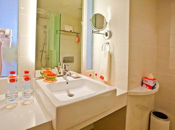 HARRIS Hotel Surabaya - HARRIS Room Great Sale Regular Plan
