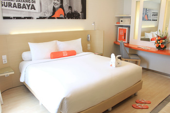 HARRIS Hotel Surabaya - Comfort Room King Regular Plan