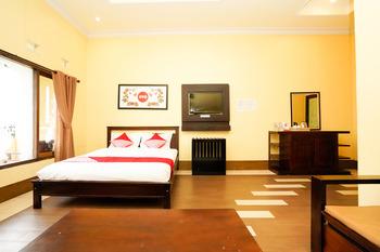 OYO 1080 Sm Bromo Hotel Probolinggo - Suite Family Regular Plan
