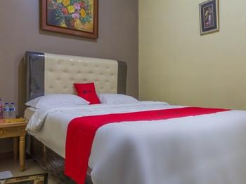 RedDoorz near Riau Junction Mall Bandung - RedDoorz Room Regular Plan