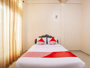 OYO 2799 Berastagi Backpacker Rooms Karo - Standard Double Room Regular Plan