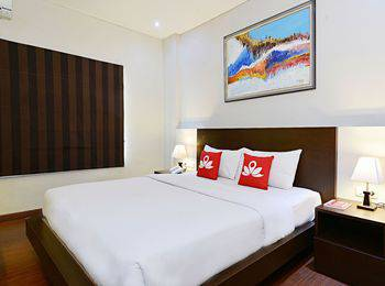 ZenRooms Talaga Bodas - Double Room Wth Breakfast Regular Plan