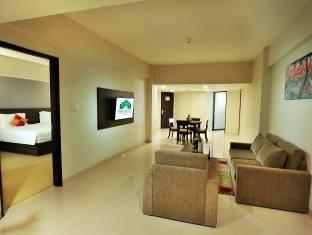 Discovery Hotel Ancol - Deluxe Suite with Breakfast Regular Plan