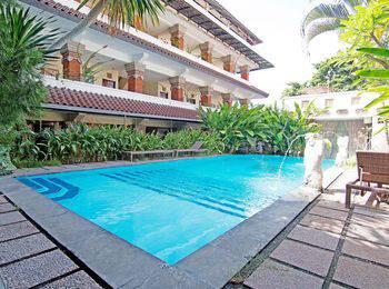 ZEN Rooms Paradise Legian Hotel