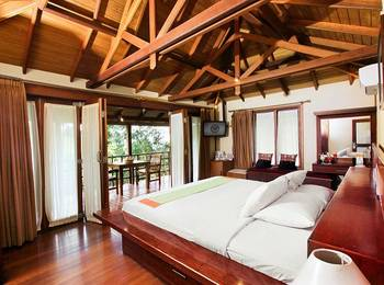 The Green Forest Resort Bandung - Cottage Room With Breakfast Cottage Special Price
