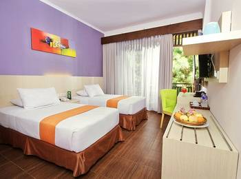 The Green Forest Resort Bandung - Deluxe Room With Breakfast Regular Plan