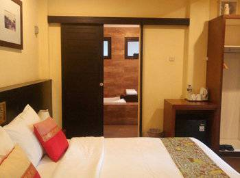 The Green Forest Resort Lembang - Cottage King Room BASIC DEAL MIN STAY 2