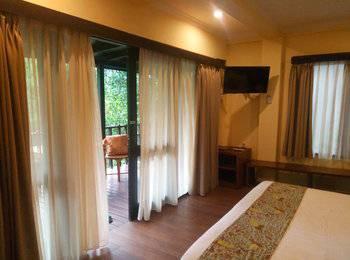 The Green Forest Resort Bandung - Cottage King Room Regular Plan