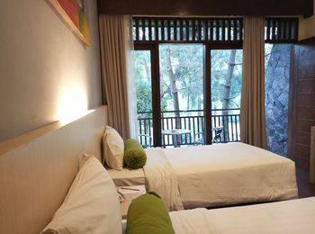 The Green Forest Resort Bandung - Deluxe Twin Room Only Regular Plan