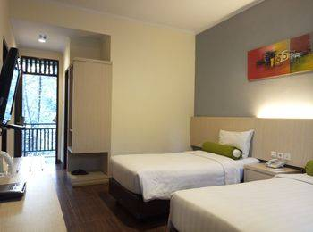 The Green Forest Resort Bandung - Deluxe Twin Room Promo Gajian