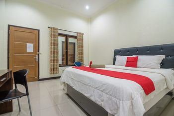 RedDoorz Syariah near Taman Rimba Zoo Jambi Jambi - RedDoorz Room with Breakfast Regular Plan
