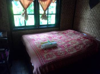 Yoschi's Hotel Probolinggo - Economy Room Regular Plan