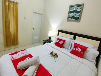 Bakom Inn Bogor - Deluxe Room Regular Plan